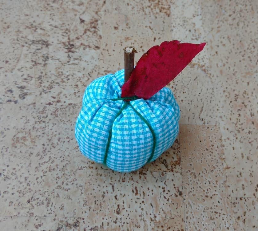 Diy fabric pumpkin, rustic pumpkin, halloween, thankgiving decor