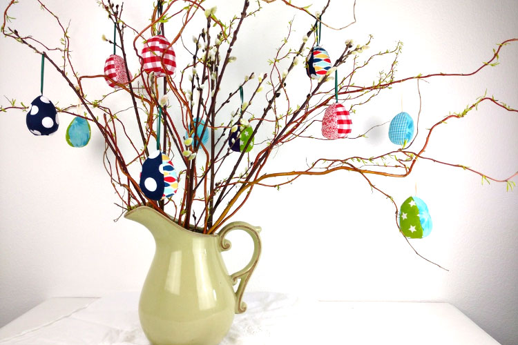 Hanging fabric Easter eggs, easter sewing, easter crafts