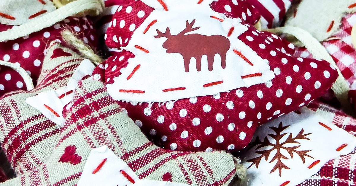 16 Simple Sewing Projects for the Holidays