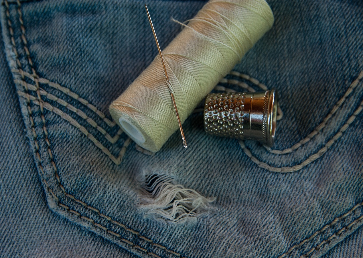 15 Sewing Projects to Recycle Old Jeans